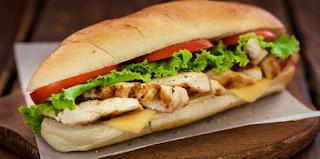 Υπάλληλος σαντουιτσάδικου αποκαλύπτει ποιο σάντουιτς πρέπει να αποφεύγουμε