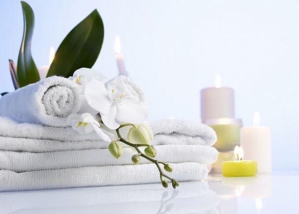 astuces pour blanchir le linge parfaitement et sans eau de. Black Bedroom Furniture Sets. Home Design Ideas