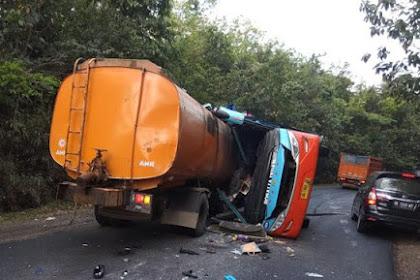 Kecelakaan Maut Bus Tabrak Truk di Lampung, 8 Orang Meninggal dan 24 Luka-Luka