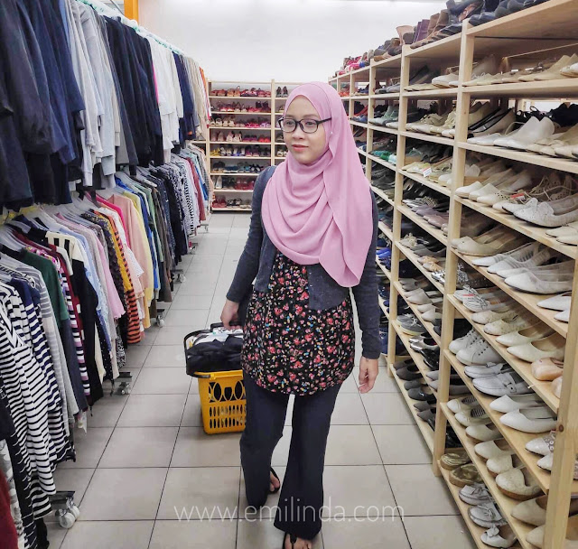 Shopping Barangan Preloved di Jalan Jalan Japan, Kipmall Bangi.