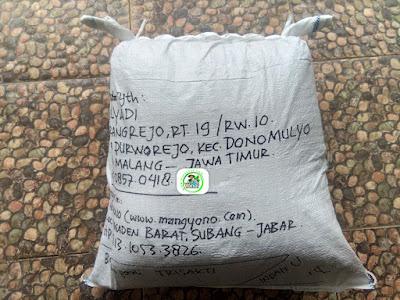 Benih padi yang dibeli   MULYADI Malang, Jatim  (Setelah packing karung).
