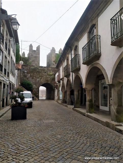 calle principal que ver en Trancoso Portugal