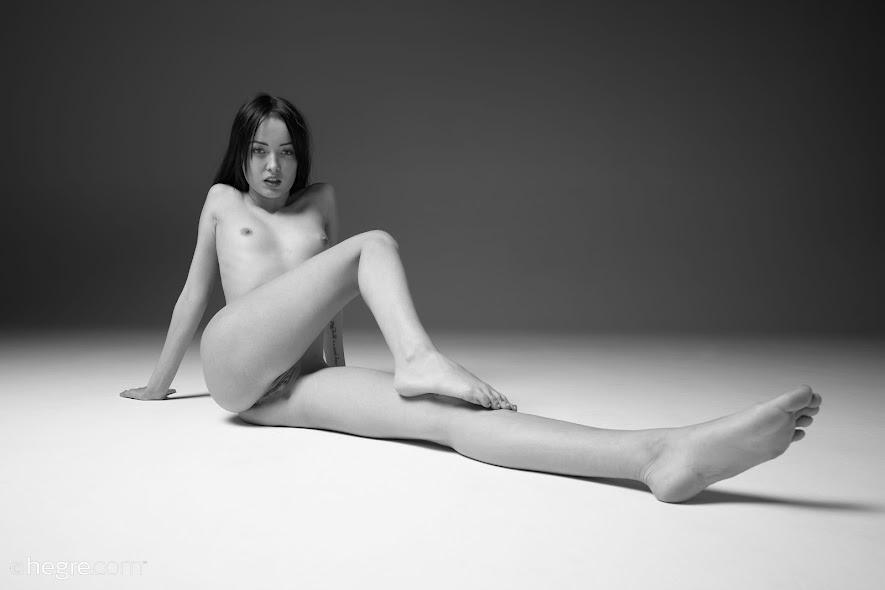 [Hegre-Art] Alba - Leica Q2 Monochrom
