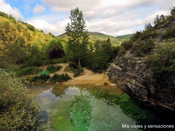 El pozo azul de Covanera, Merindades, Burgos