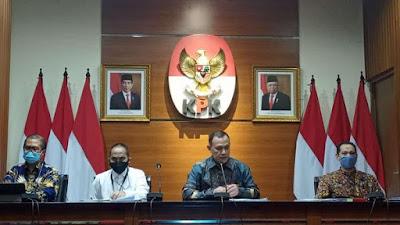 KPK Pasang Foto Jokowi-Ma'ruf Saat Jumpa Pers Tes ASN