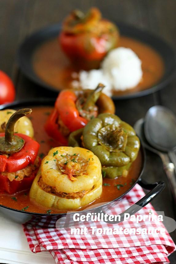 пълнени чушки с кайма и доматен сос
