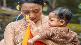 Tak Ada Yang Sekuat Wanita Bali