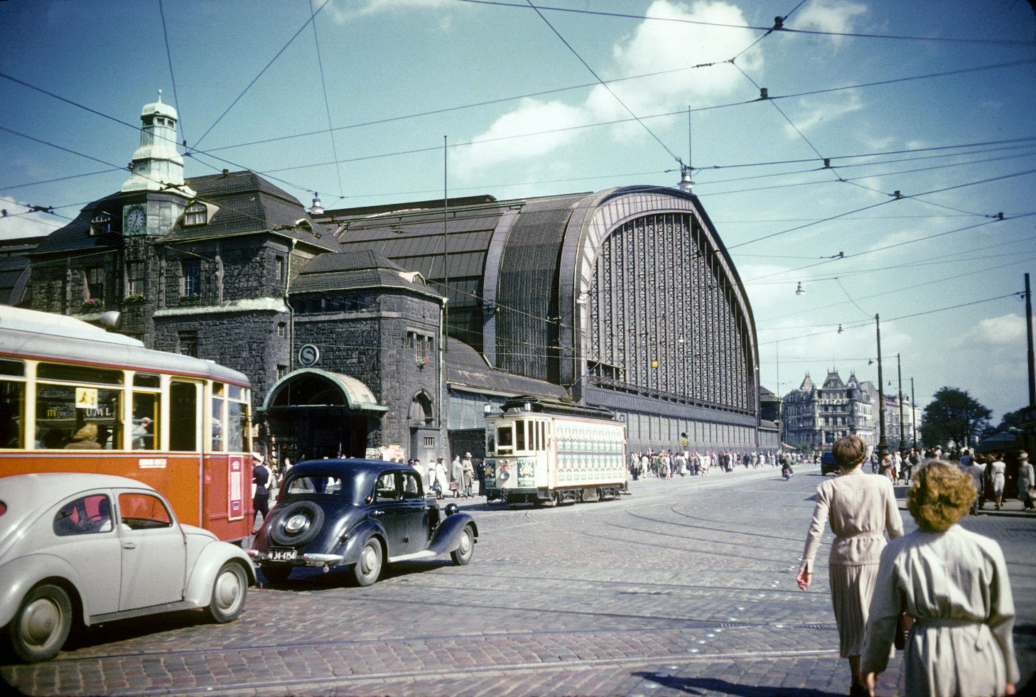 transpress nz traffic on steintordamm outside hamburg hauptbahnhof west germany august 1952. Black Bedroom Furniture Sets. Home Design Ideas