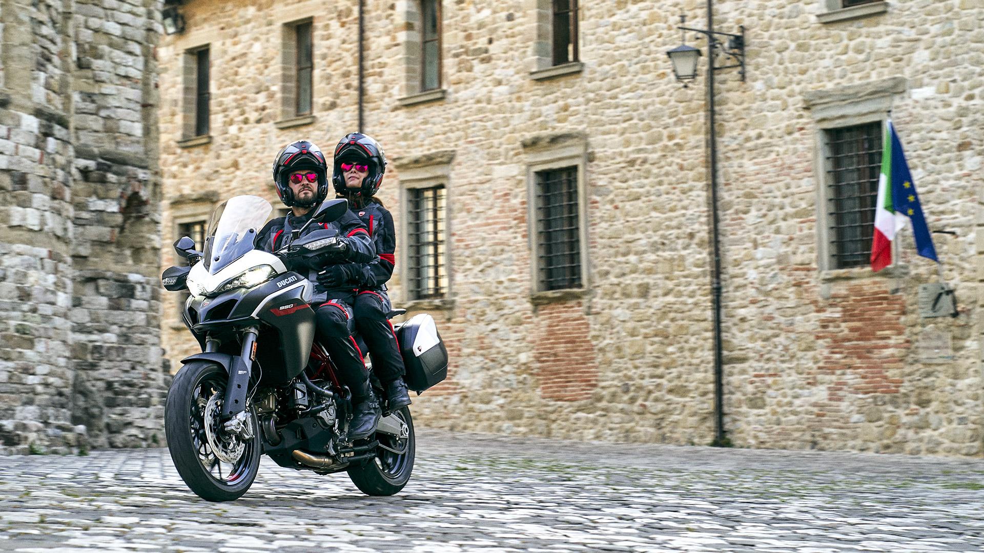 Ducati MTS-950-S- India MotorZest 1