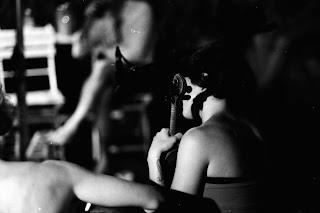 ... Valentina Fortunati alla chitarra. Il rischio dell Amore in un piccolo  racconto. Per provare ancora qualcosa che si è perso  l Ascolto ... b90e8deb164