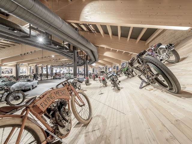 Top Mountain Crosspoint Museum Consumed In Fire | One Of The World's Largeest Motorcycle  Museums