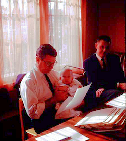 Former Blue Book head, Hector Quintanilla and son Ross, 1964