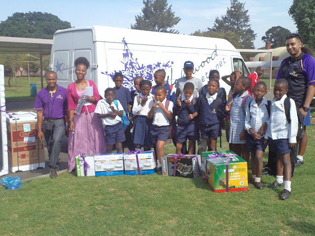 Hollywoodbets Newtown Mall with the children and staff at Sparrow Village - Donation - CSI - Social Responsibility