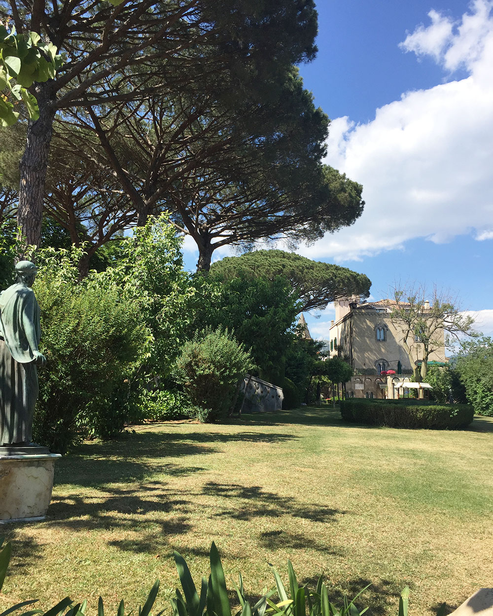 Travel tips ideas ravello costiera amalfitana italy cool chic style fashion - Giardini di villa cimbrone ...