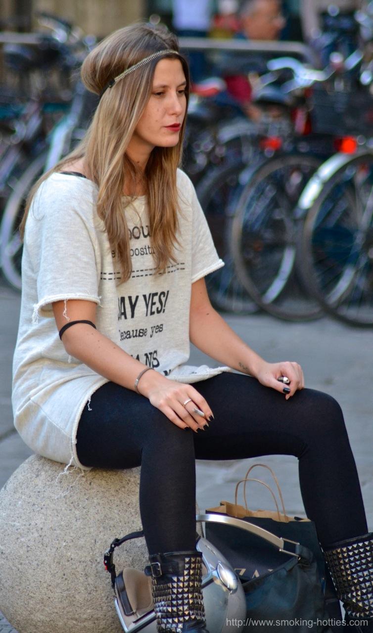 Motorcycle Girl – Smoking Hotties