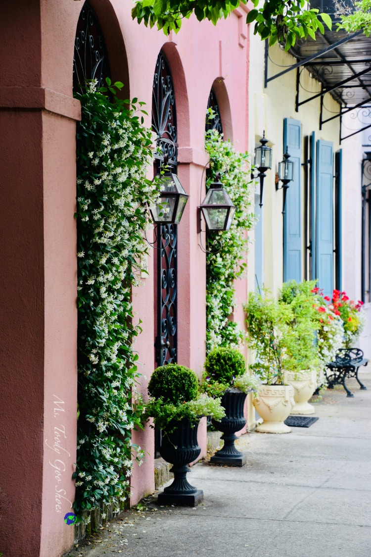 10 Things To Do In Charleston: #4 - Visit colorful Rainbow Row| Ms. Toody Goo Shoes #Charleston