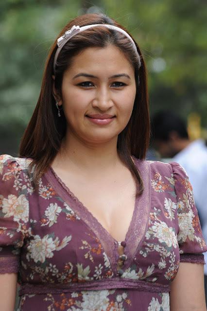 Badminton Star Jwala Gutta Latest Hot Pics Actress Trend