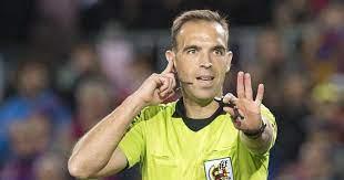 Cuadra Fernández pitará el Levante-Real Madrid, en el VAR Hernández Hernández