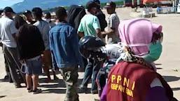 "Ditolak Pulang Kampung, Puluhan Warga NTT ""Terdampar"" di Pelabuhan Sape, Bima"