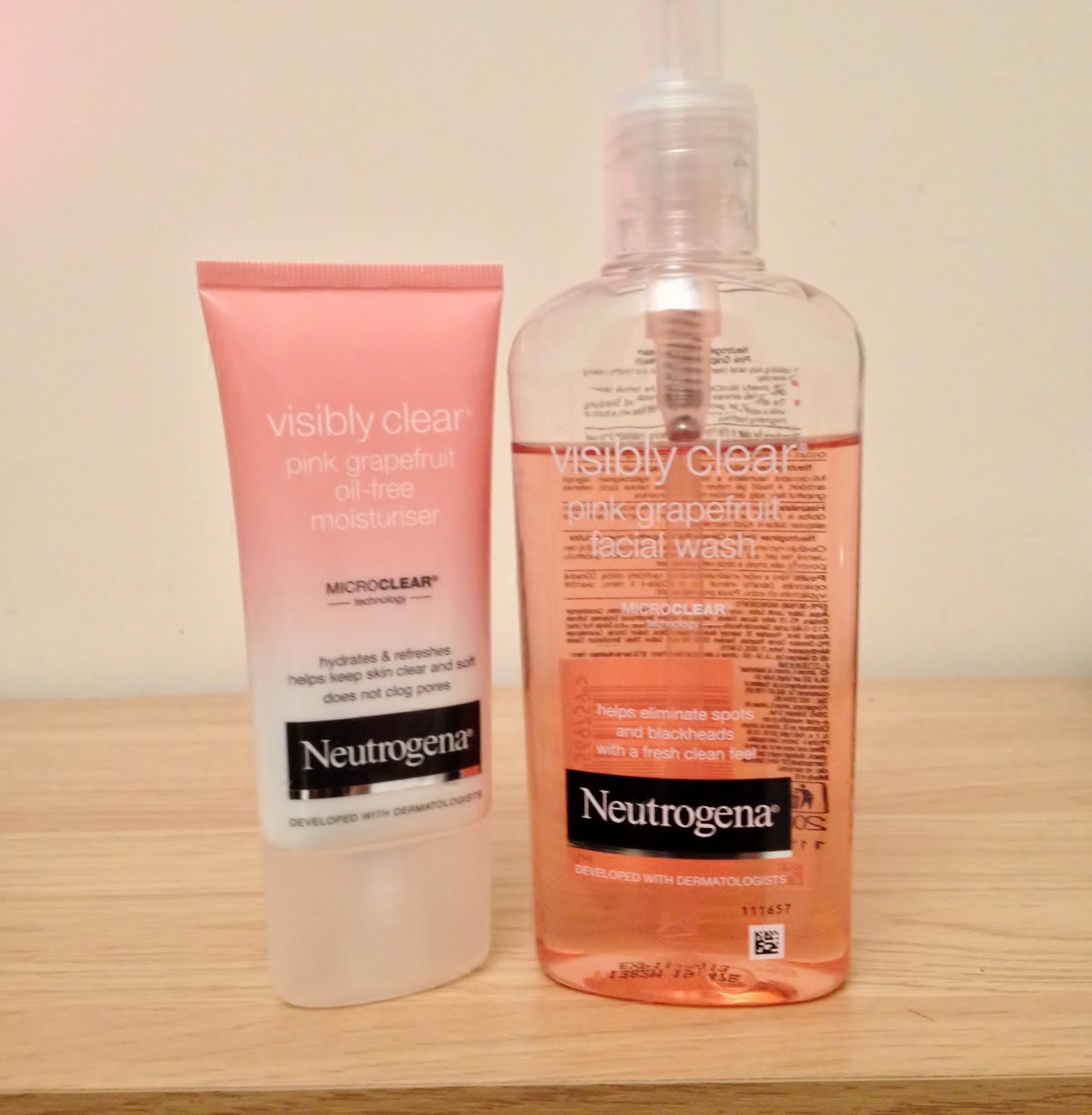 Neutrogena Visibly Clear Pink Grapefruit Facial Wash And Oil Free