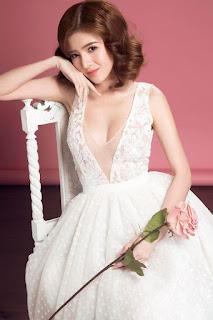 Gái xinh facebook hot girl Lilly Luta bikini
