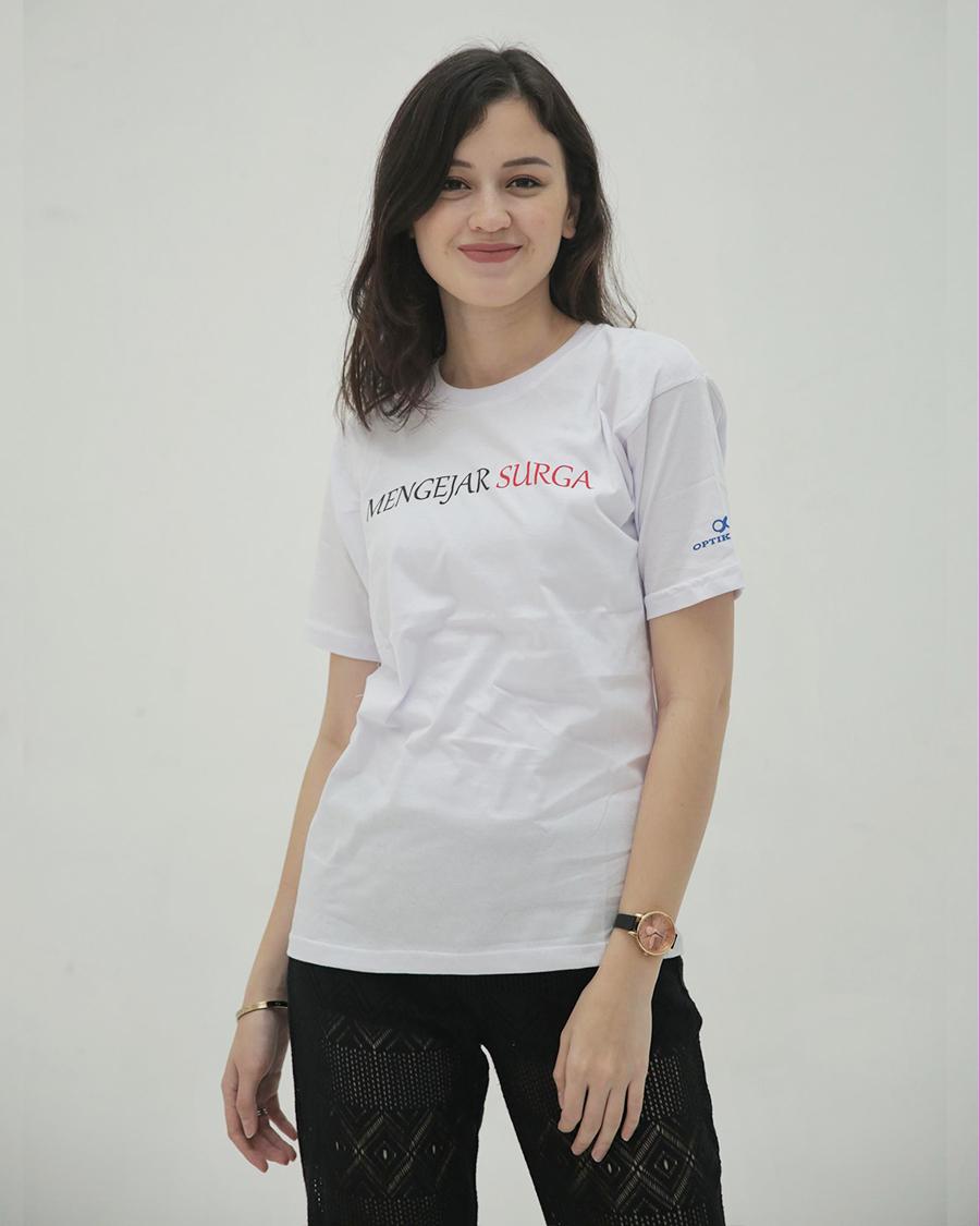 Kimberly Rider baju kaos putih