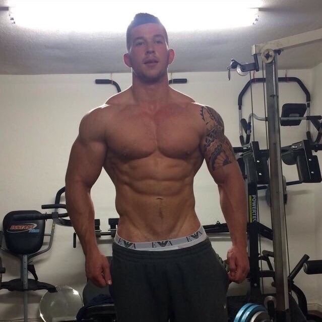 shirtless-muscular-cocky-bro-strong-body-gym-hunk