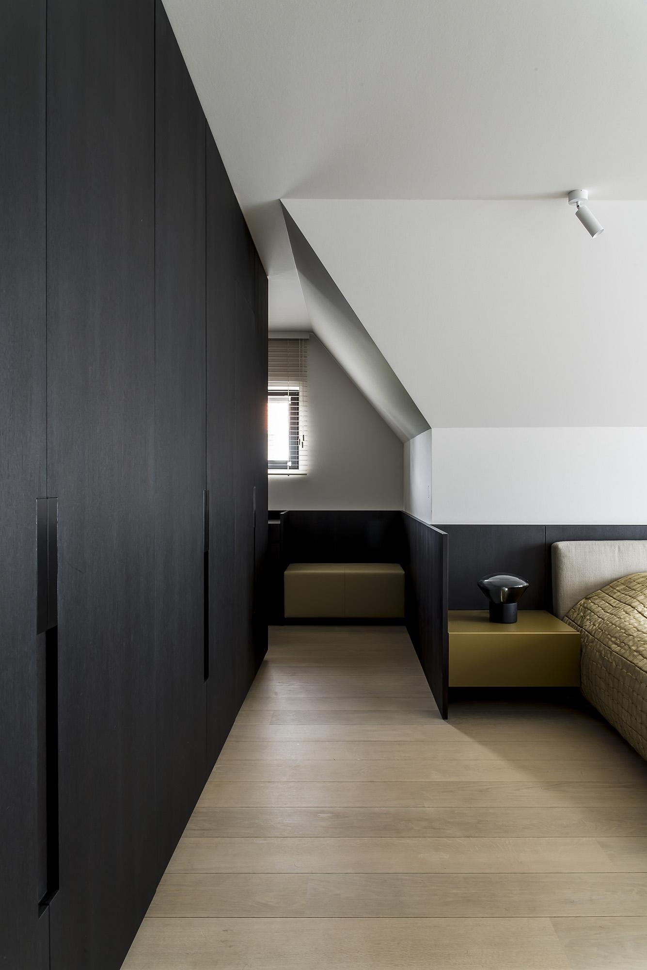 Phòng ngủ có tủ âm tường 8