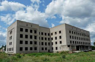 Изюм. Долгострой больницы