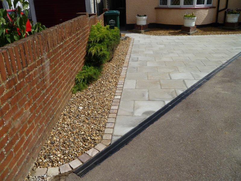 Limestone Garden Edging - Garden Inspiration