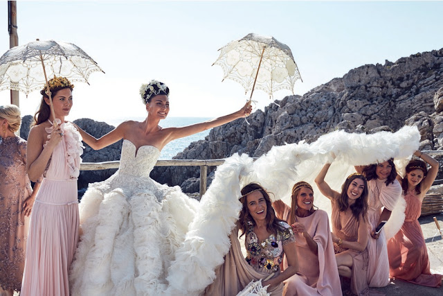 Giovanna Battaglia with her bridesmaids, Capri