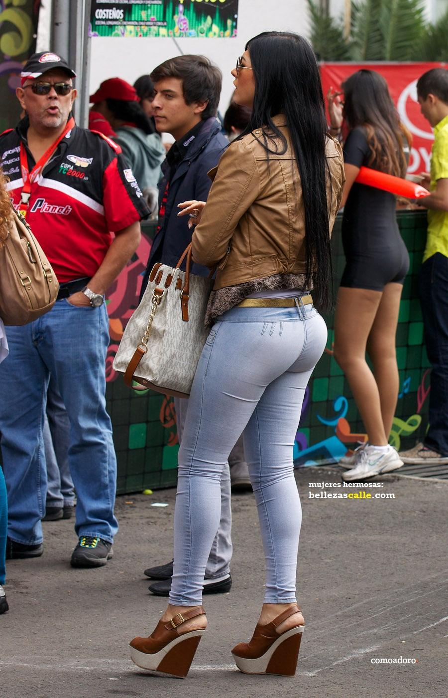 Chaparrita milf en pantalon apretado - 3 1