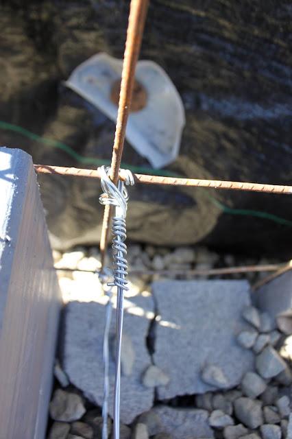 Internal wire tie of gabion basket