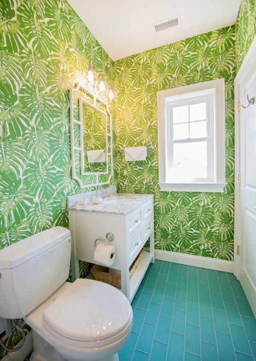 Palm Leaf Wallpaper in Bathroom