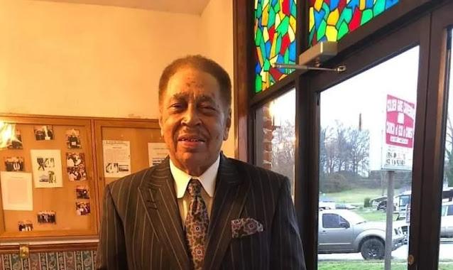 Pastor que queria ser arrebatado ou morrer no púlpito sofre um ataque cardíaco após pregar