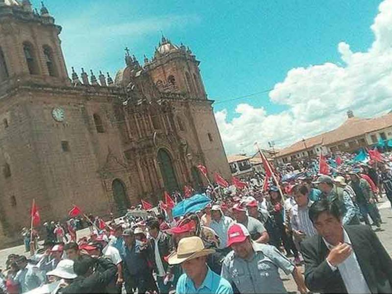 Región peruana de Cusco inició paro general por aeropuerto