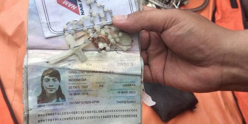 Rosario Milik Penumpang Pesawat Sriwijaya Air Ditemukan Kopaska TNI AL