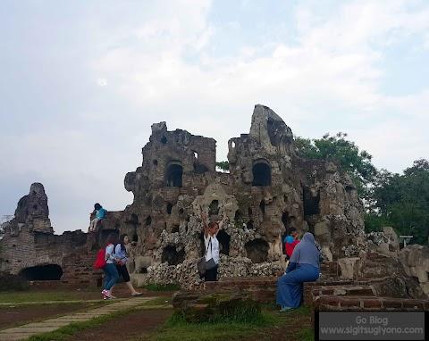 Berpetualang di Taman Sari Gua Sunyaragi