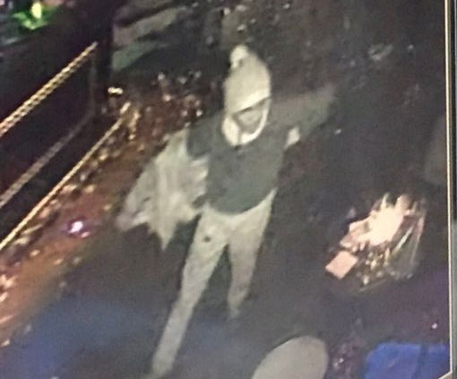 """""""Father Christmas"""" opens fire on nightclub killing 39 in Istanbul, Turkey"""