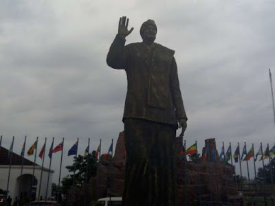 Misplacement of priority as Okorocha unveils statue of Liberian president, Johnson-Sirleaf