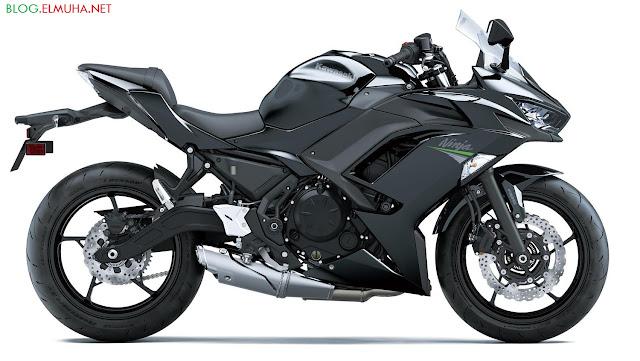 Kawasaki Ninja 650 2020 hitam samping kanan