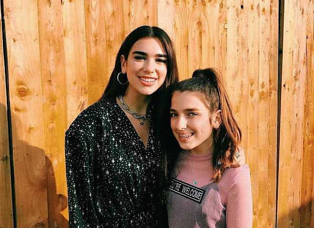 Em gái 10X xinh đẹp, gợi cảm của ca sĩ Dua Lipa