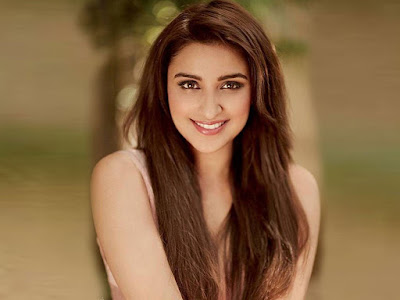 Parineeti chopra cute smiling images