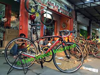 Sepeda Balap Polygon Stratos 2