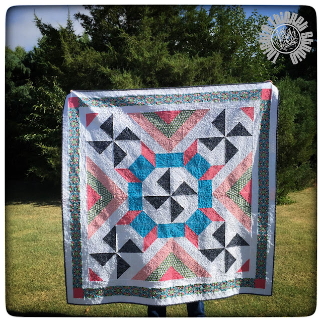 Thistle Thicket Crossing Quilt Designed By Thistle Thicket Studio. Free Pattern at www.thistlethicketstudio.com