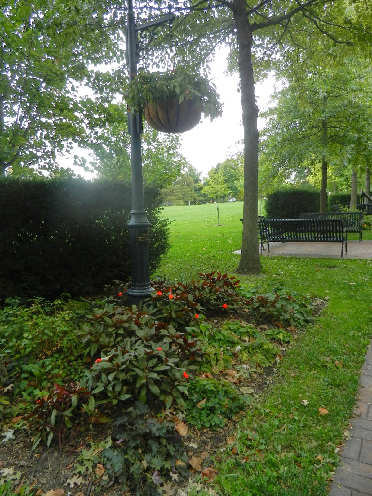 garden walks in LeClaire Illinois