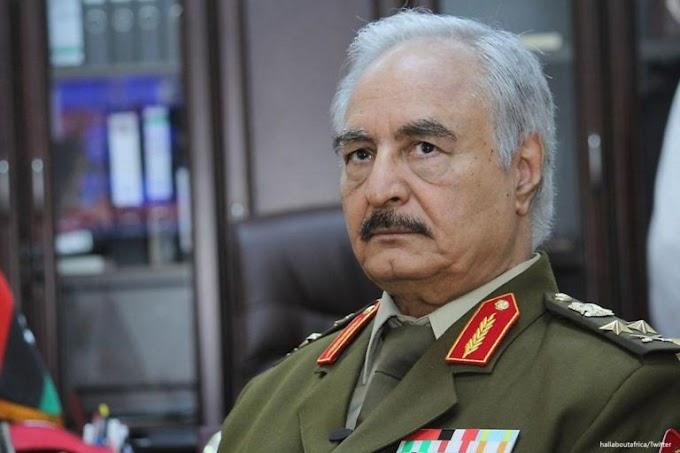 Οργισμένος ο Χαφτάρ που δεν μετέχει η Ελλάδα στη Διάσκεψη για την Λιβύη