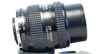 AF Zoom-Nikkor 28-70mm F3.5~4.5 D #000