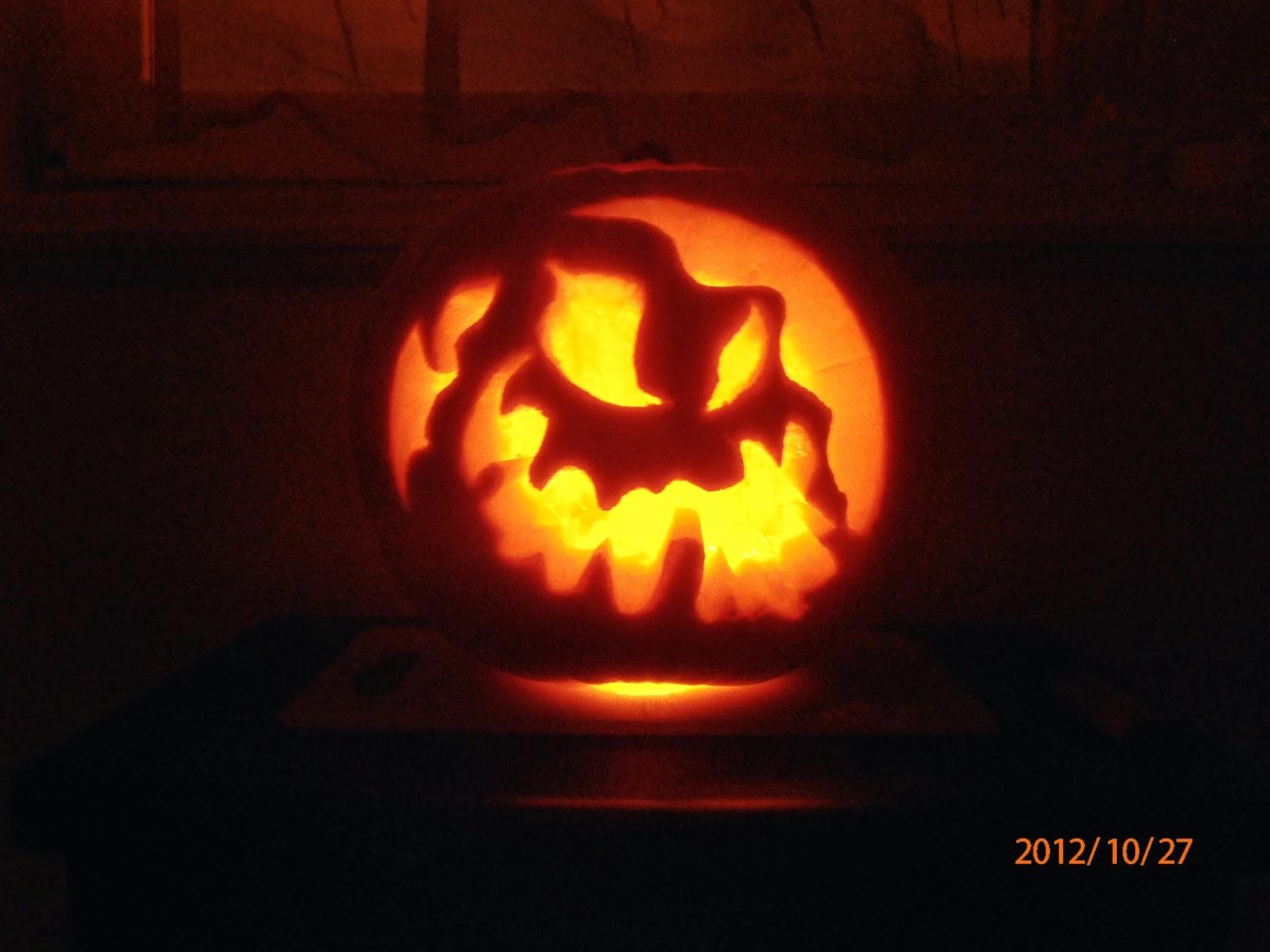 Halloween-i töklámpás a sötétben világít