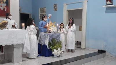 O mês de maio todo dedicado a Maria